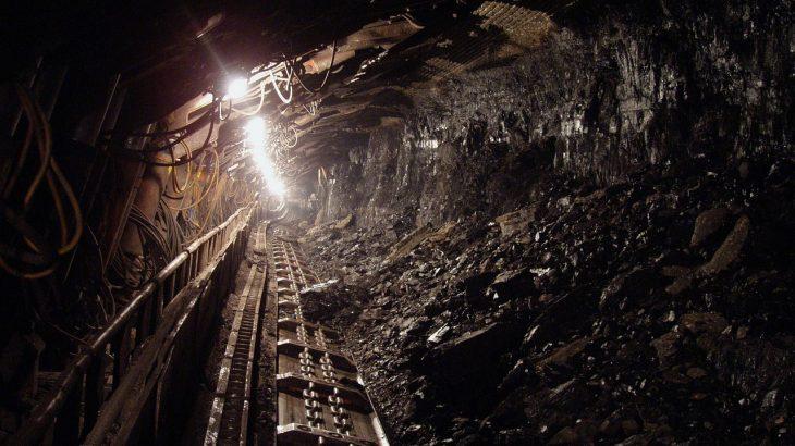 【石炭】石炭はエネルギー革命後も消費が伸びている。世界的に火力発電の中心は石炭